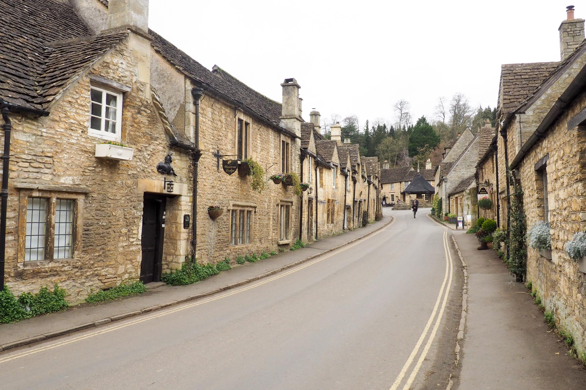 Castle Combe road